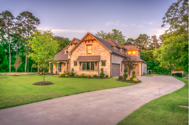 4 Low-Effort Ways To Improve Your Home's Curb Appeal